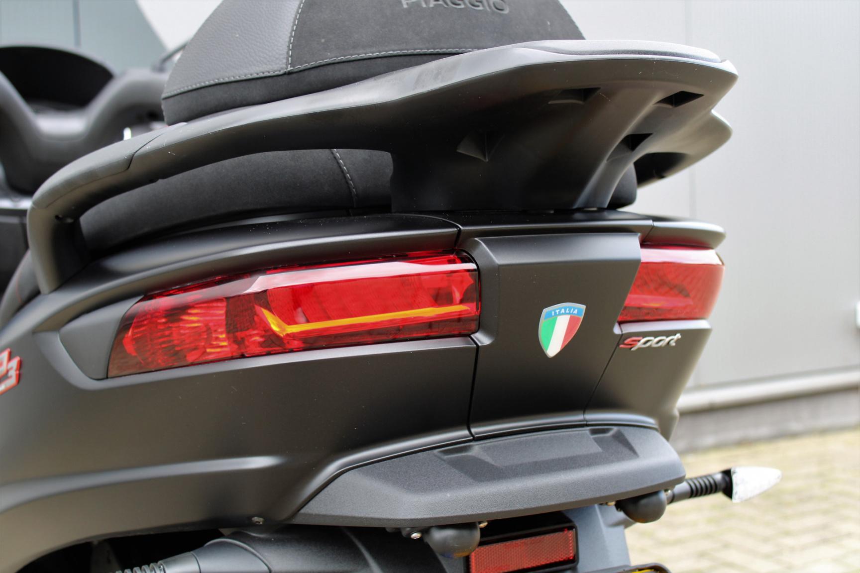 Piaggio-500 MP3 HPE Sport 4678KM Bouwjaar 2020-20