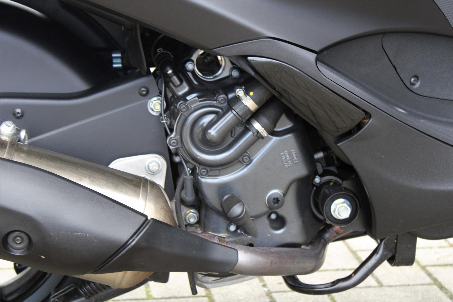 Piaggio-500 MP3 HPE Sport 4678KM Bouwjaar 2020-23