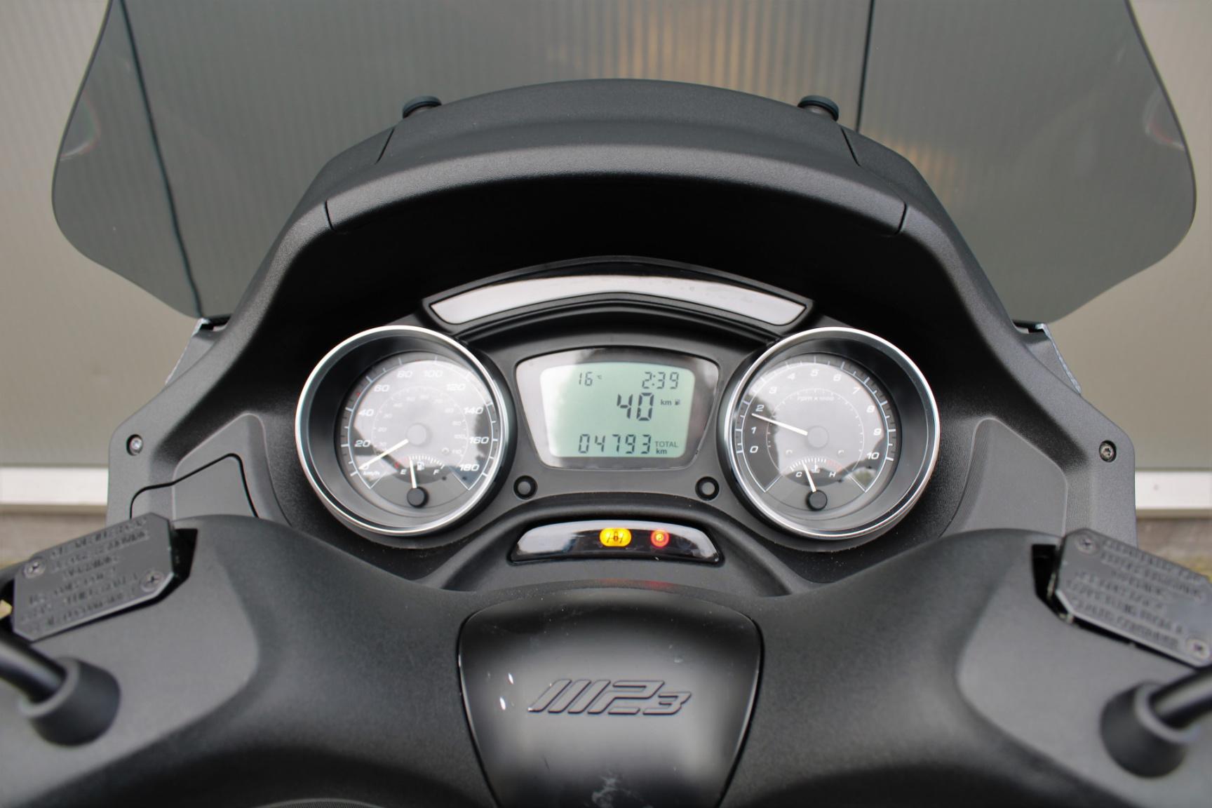 Piaggio-500 MP3 HPE Sport 4678KM Bouwjaar 2020-15