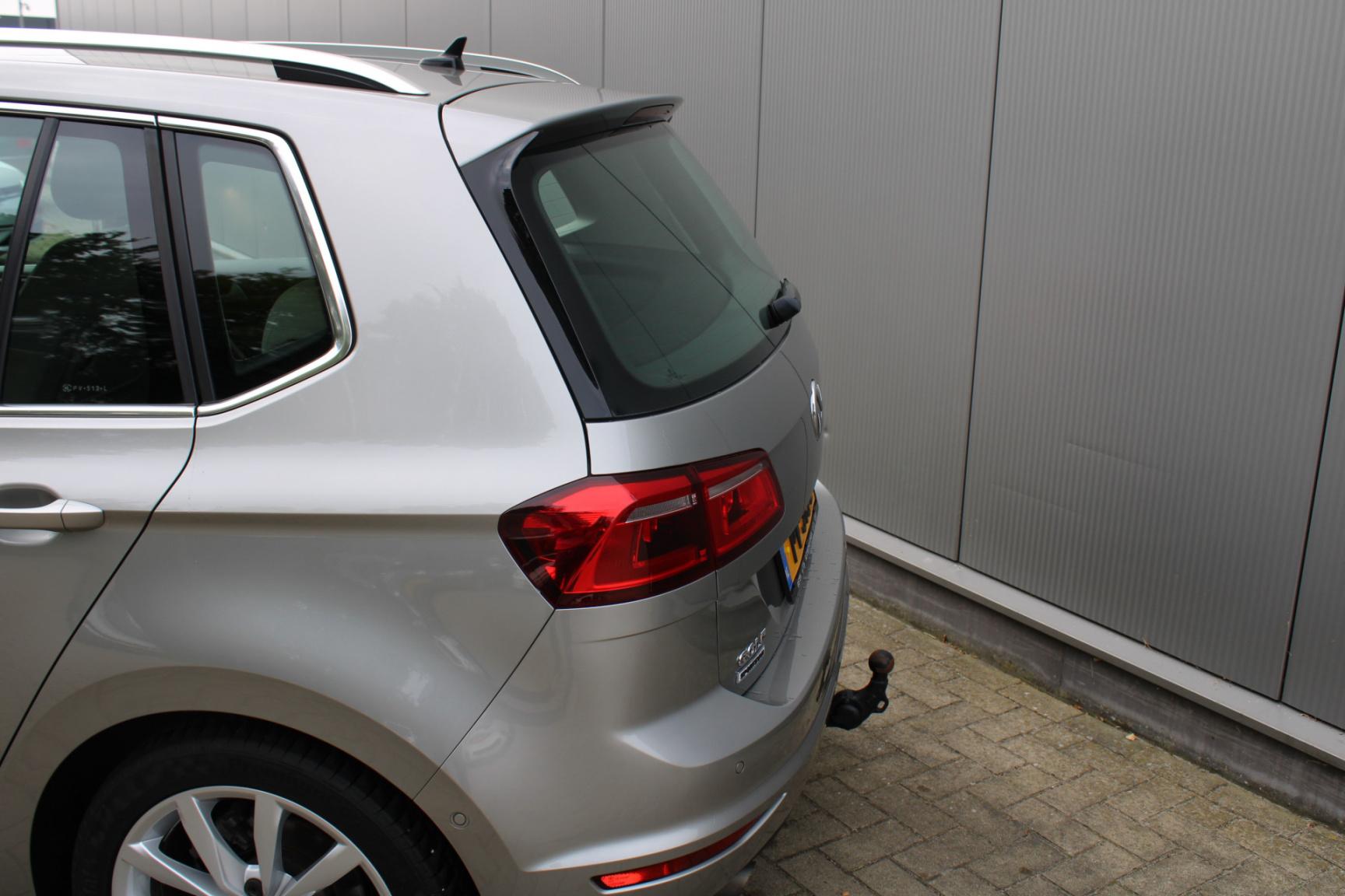 Volkswagen-Golf Sportsvan-26